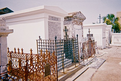 2010 St Louis Cemetery 10